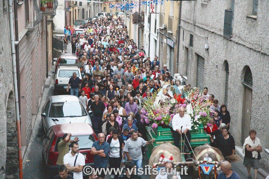 Processione in via Roma, Seui