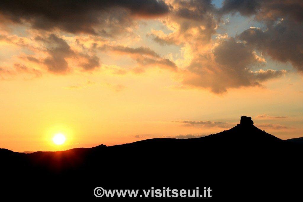 Sunset Perdeliana