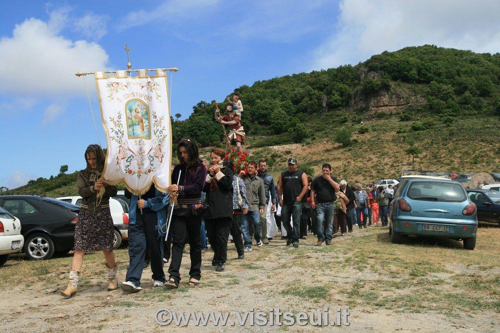 Processione e benedizione delle auto.